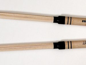 Drumsticks - Brush stick ww19 - Beech sticks & Hickory handle - from B-stick