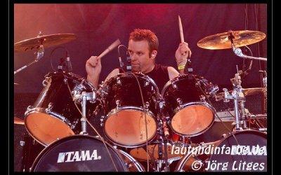 """Mads """"Morbus Crohn"""" Volf-Kjær (Red Warszawa) """"live"""" with his B-stick drumsticks"""